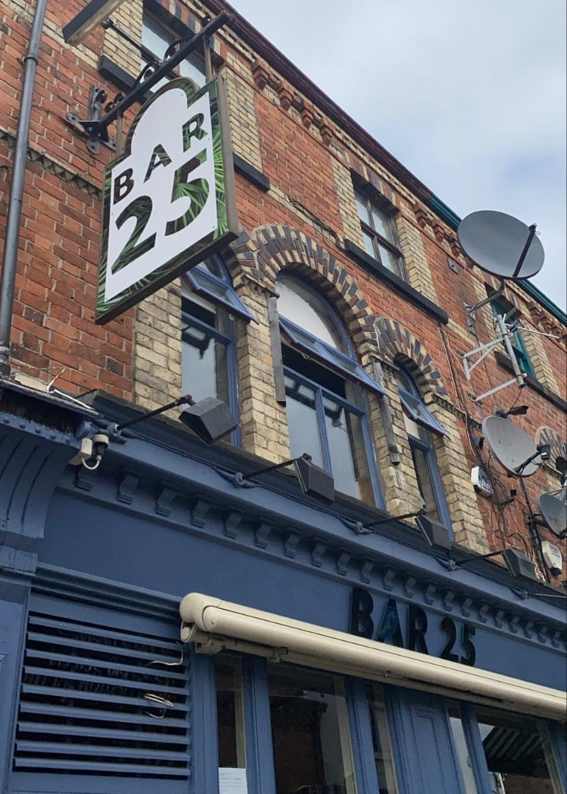 Bar 25 Lark Lane